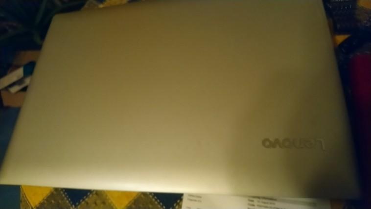 Pārdodu nesen pirktu mazlietotu Lenovo 17.2 inchu laptopu